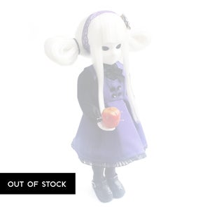 "Image of *NEW* 14"" 'Viere Limited Little Apple Doll"