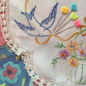 Image of Bird, Tulip, Bear & Spool Sewing pins