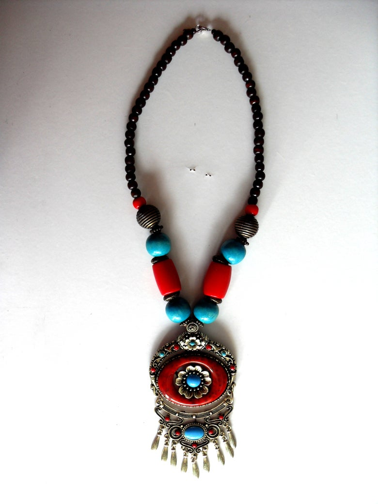 Image of Necklace with stones (red and turquoise)