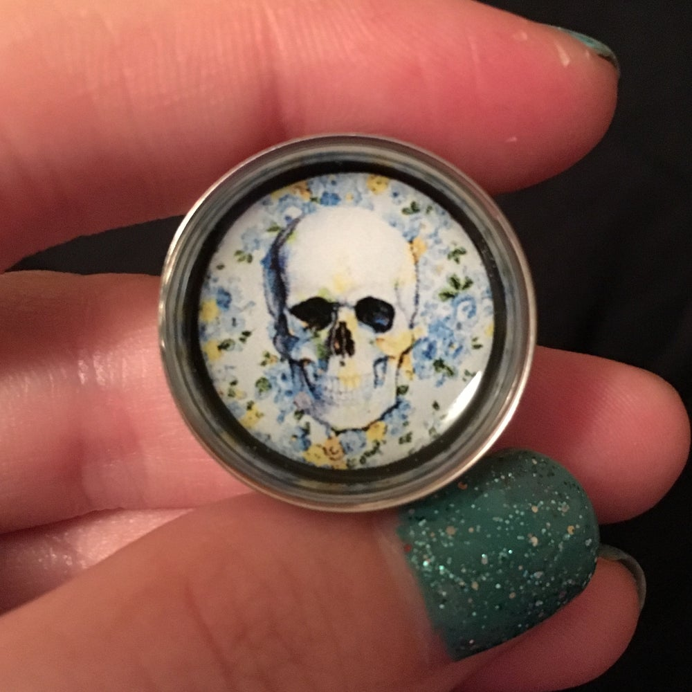 "Image of Floral Skull Plugs (sizes 2g-2"")"
