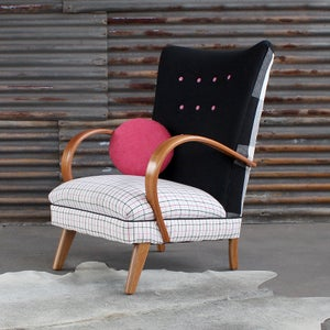 Image of Brera Chair in Fuschia