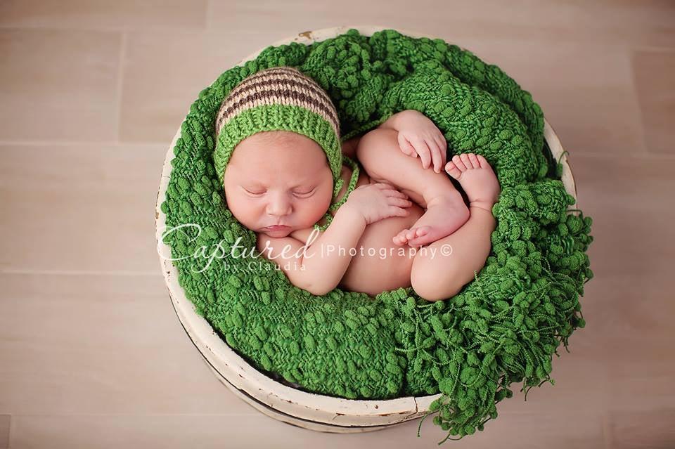 "Image of ""colin"" newborn bonnet"