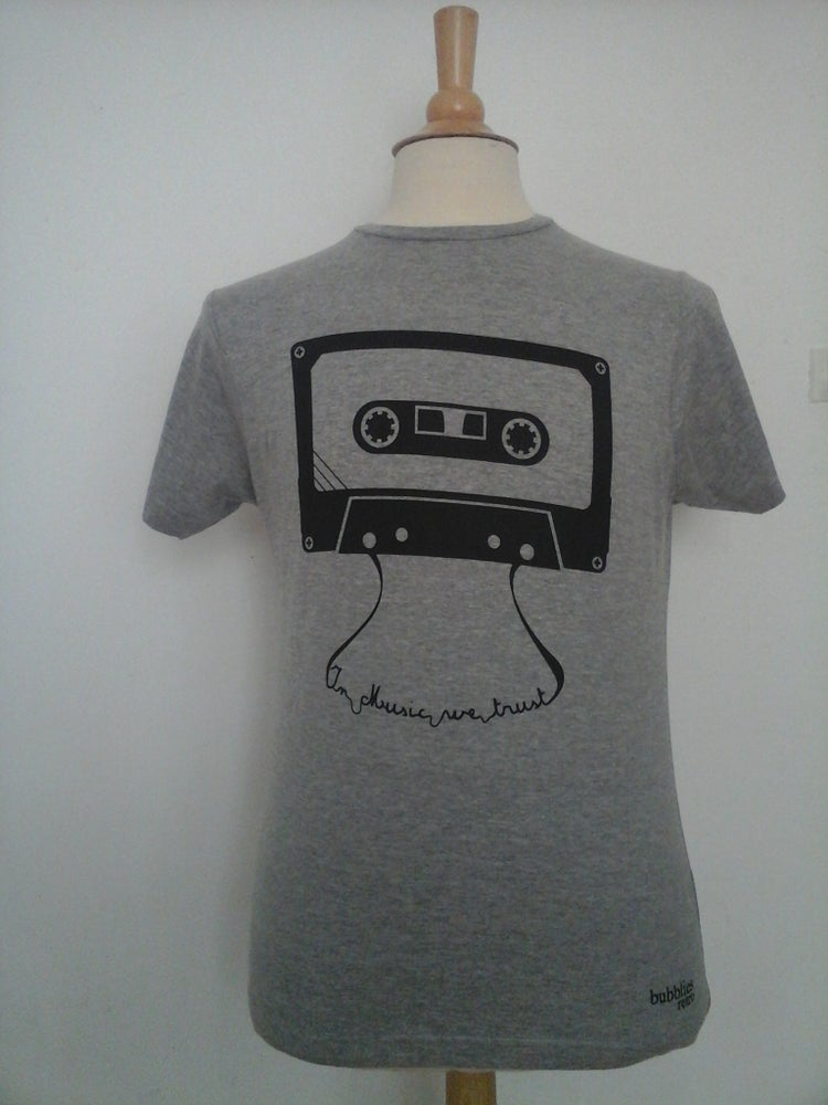 Image of T-shirt IN MUSIC WE TRUST