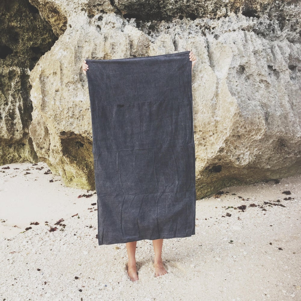 Image of FADED BLACK TRAVEL TOWEL