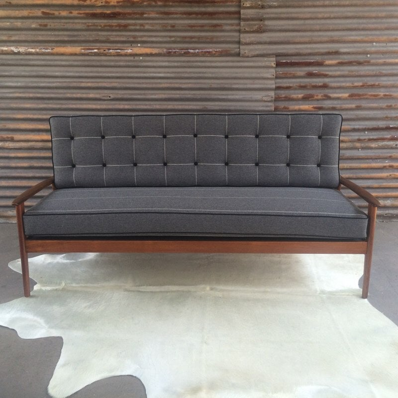 Image of Annika Fler 3 Seater Day Bed.