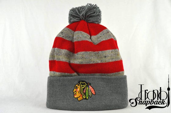 Image of CHICAGO BLACKHAWKS STRIPE LOGO NHL MITCHELL & NESS BEANIE
