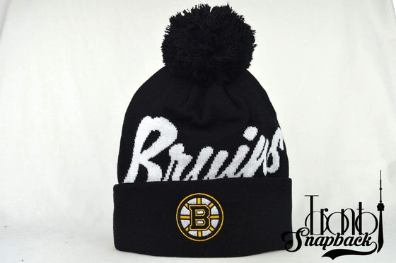Image of BOSTON BRUINS BLACK & WHITE NHL MITCHELL & NESS BEANIE