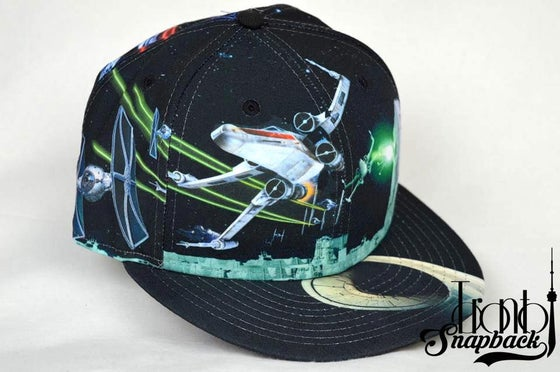 Image of STAR WARS 'ALL-OVER BATTLE' NEW ERA FITTED HAT