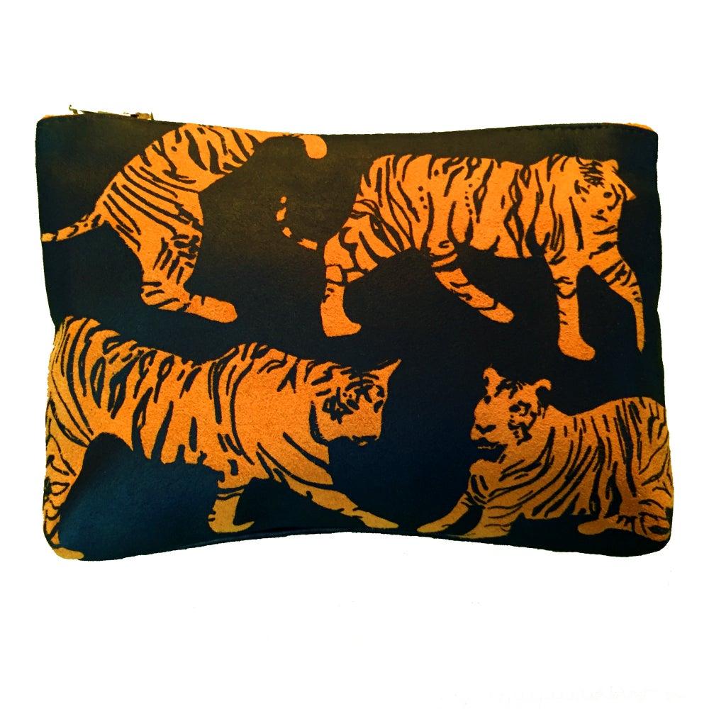 Image of Medium tiger purse