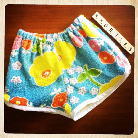 Image of BLUE BLOOMS terry shorties - size 1/2