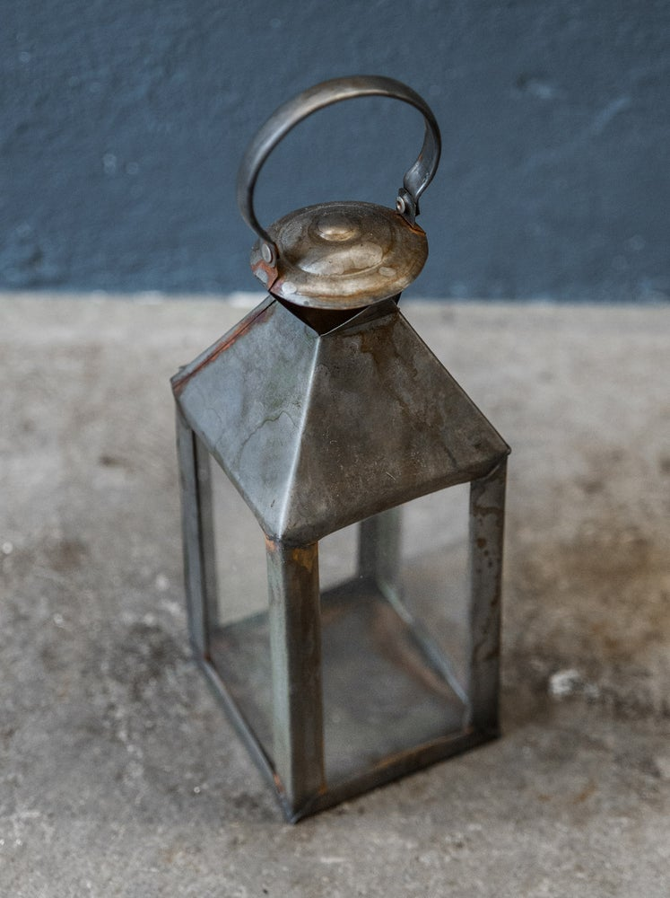 "Image of Lantern ""HURRICANE"""