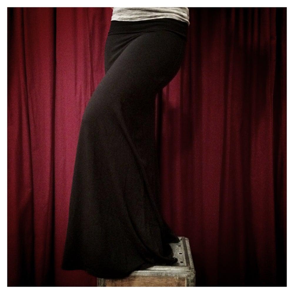 """Image of """"Moon Flower"""" Skirt"""