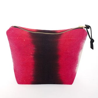 Image of MAGENTA MAGIC POUCH