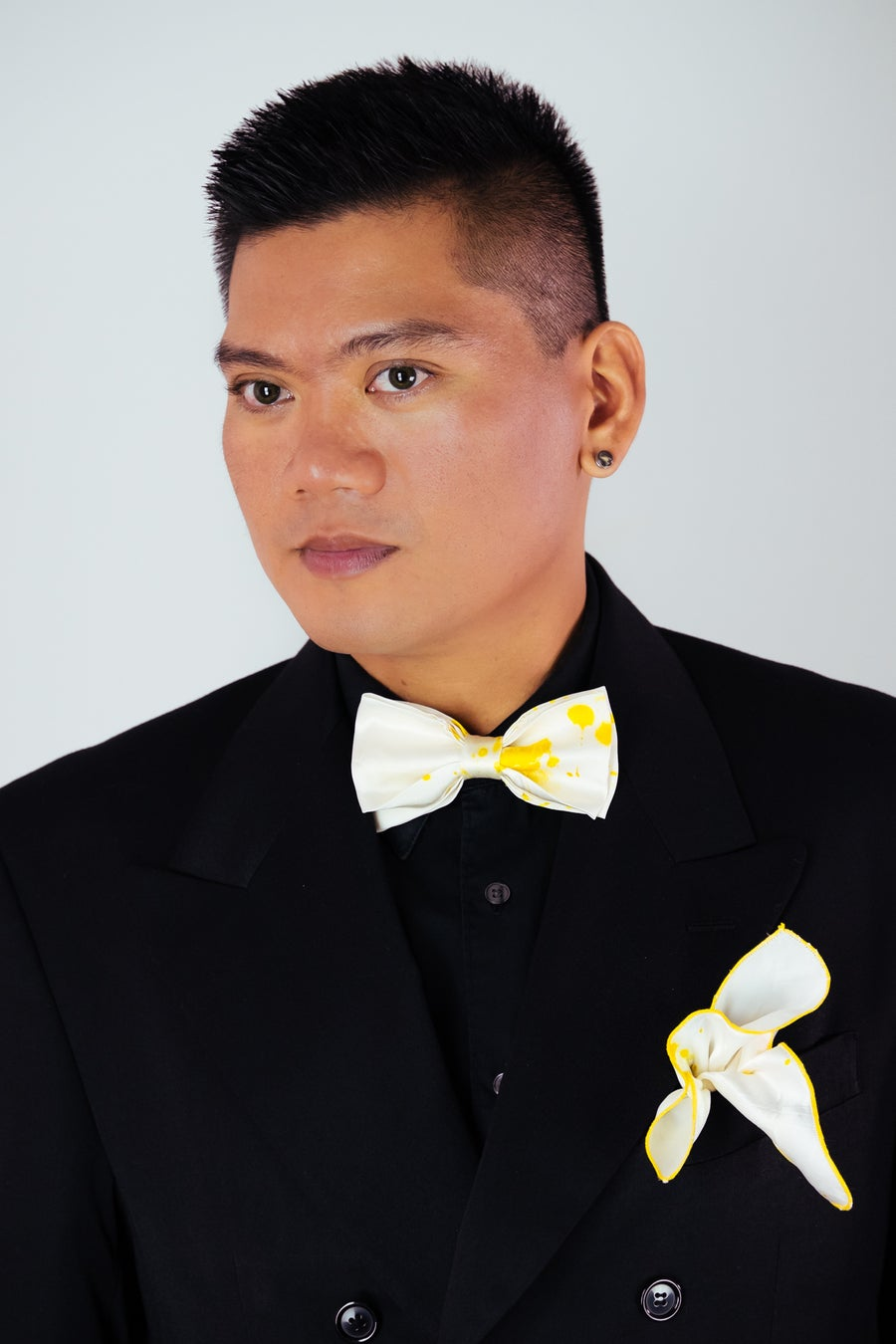 Image of Men's Silk Bow Tie / Yellow Accent
