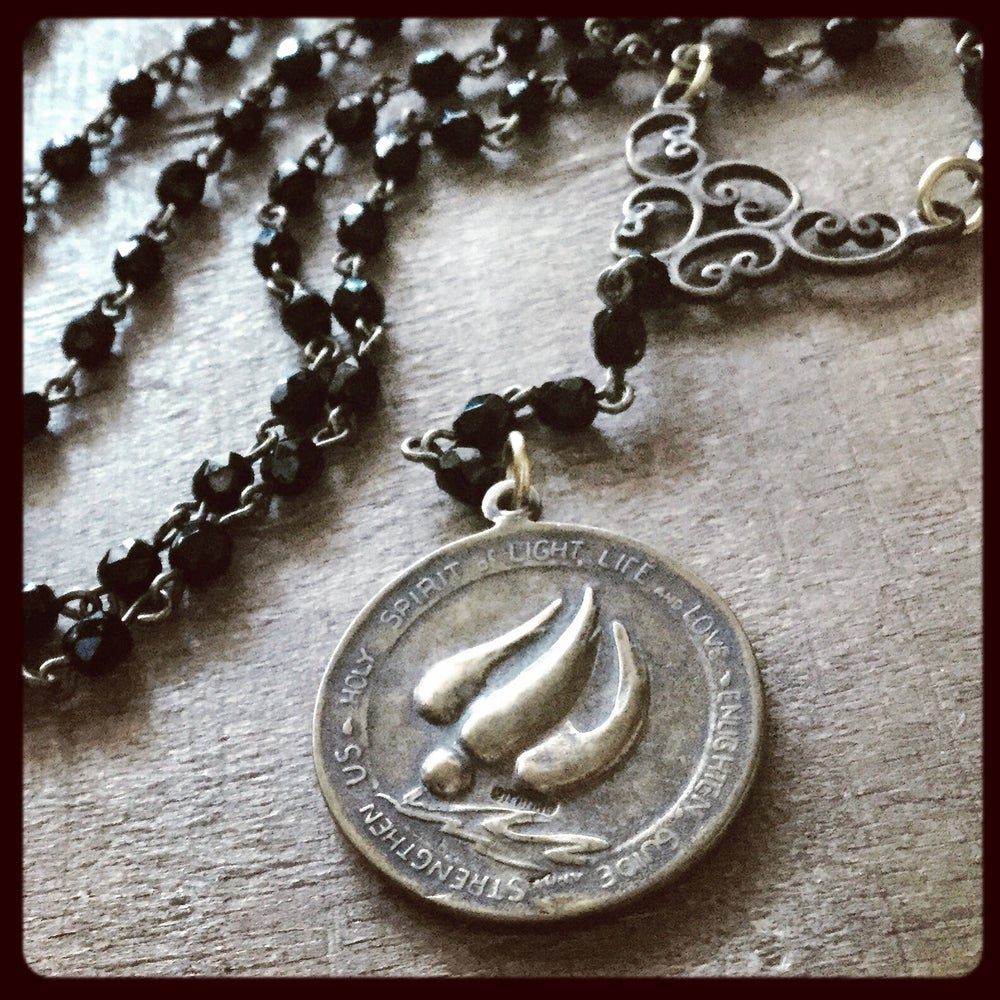 Image of HOLY FAMILY NECKLACE