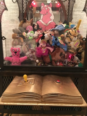 Image of CLAW MACHINE - WOLFTITS