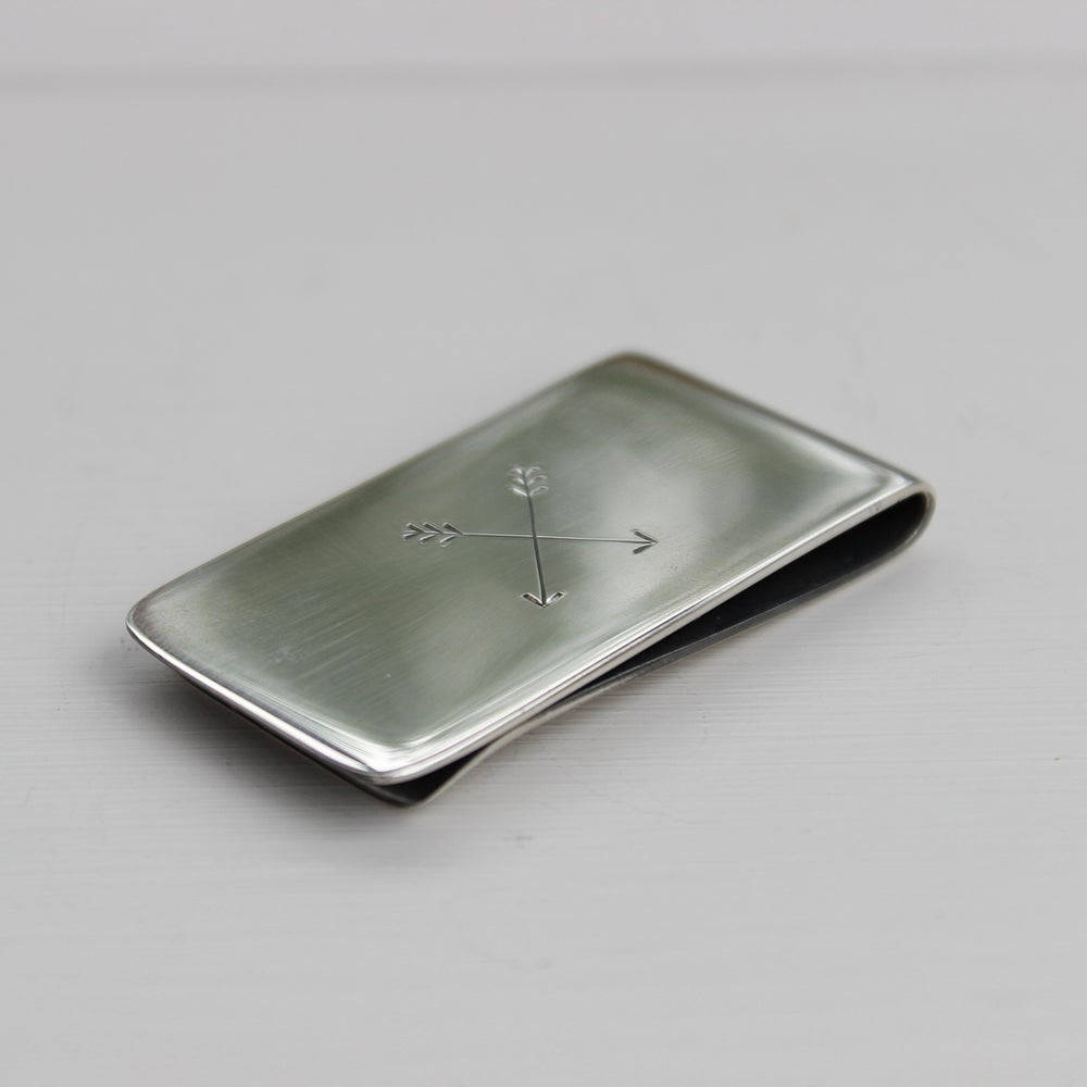 Image of men's arrow money clip