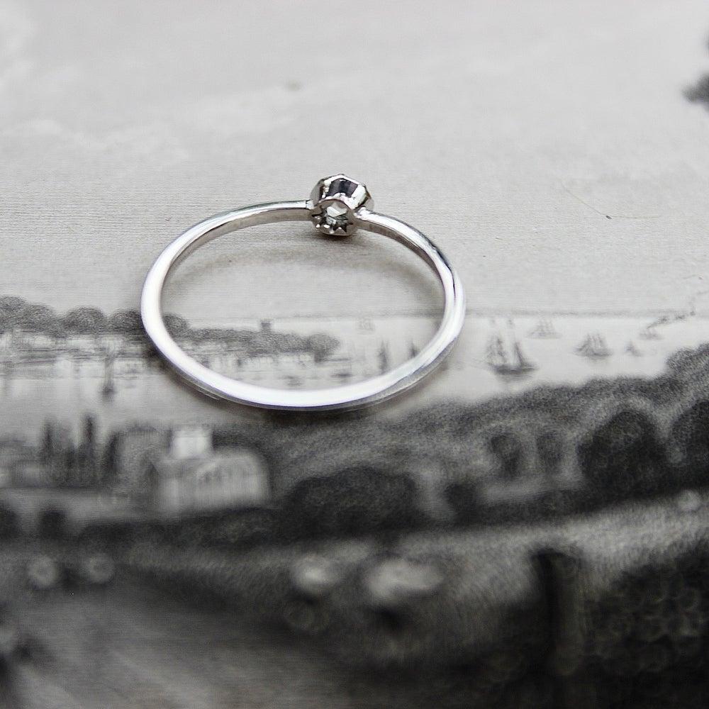 Image of Platinum 3.0mm rose cut diamond (IOW16)