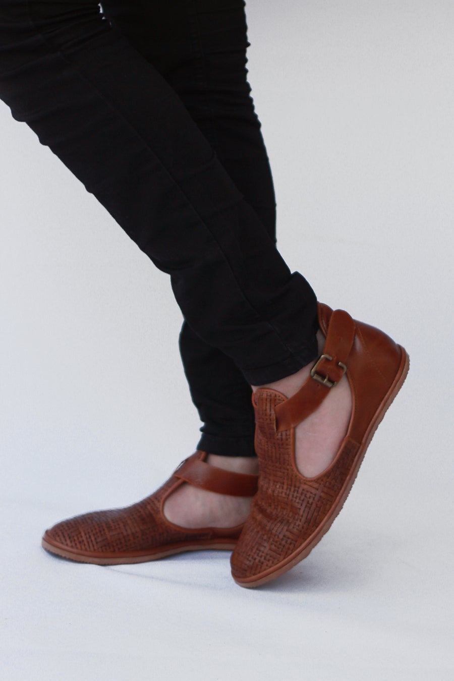 Image of Flat leather shoes - Textured Cut-out in Tobacco Brown