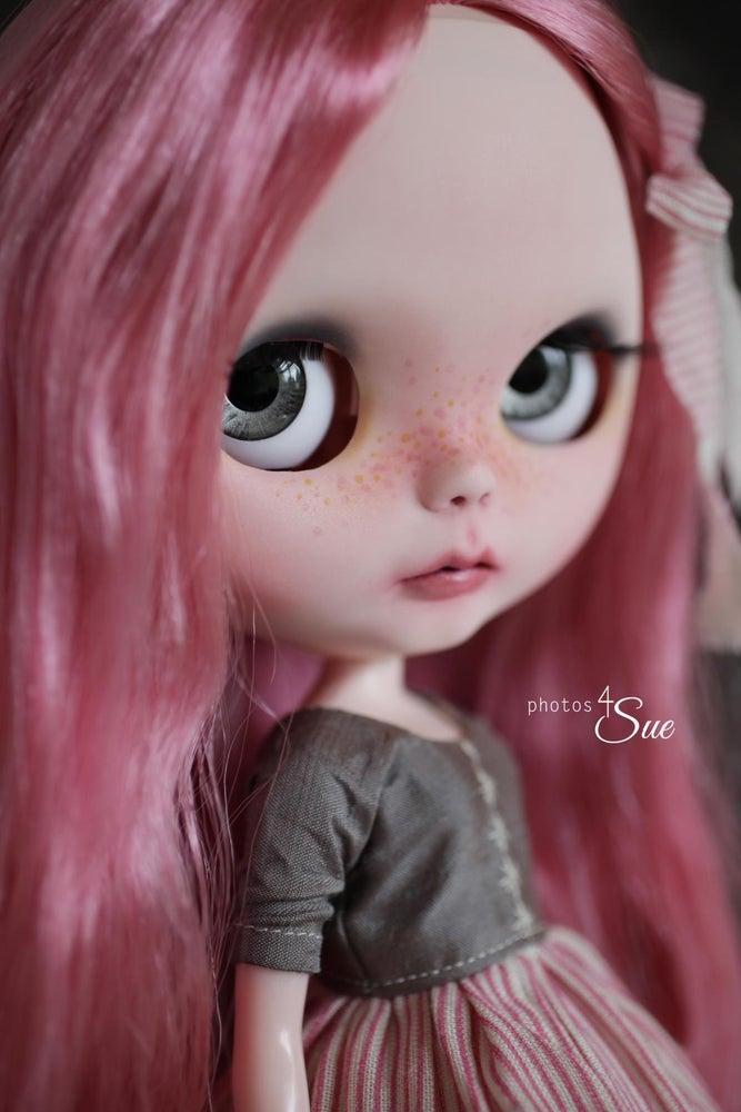 Image of OOAK Takara Custom Blythe Peony by Photos4Sue: Date w/ Blythe Auction