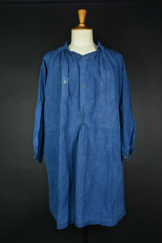 Image of 1900'S FRENCH INDIGO LINEN maquignon BIAUDE patched