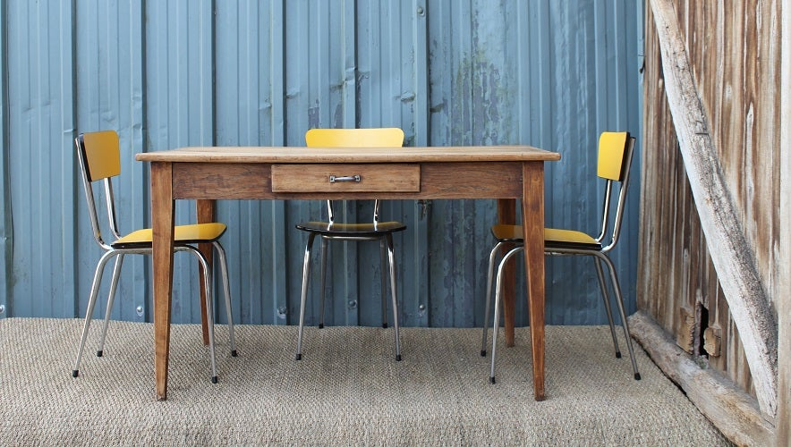 Image of Ensemble table bois/chaises formica