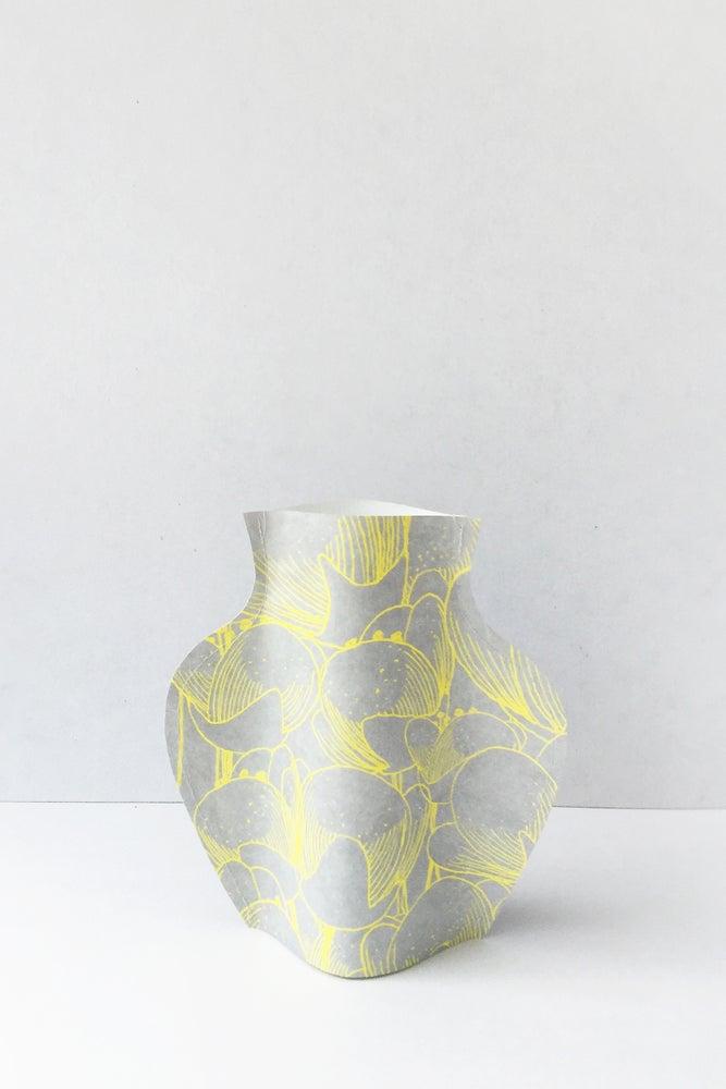 Image of Popup Vase - Tulip