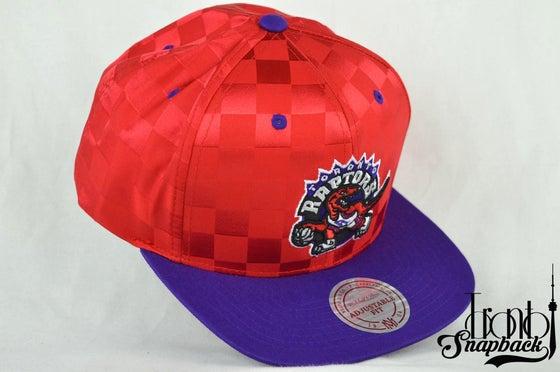 Image of TORONTO RAPTORS MITCHELL & NESS NBA UPFIELD SNAPBACK HAT