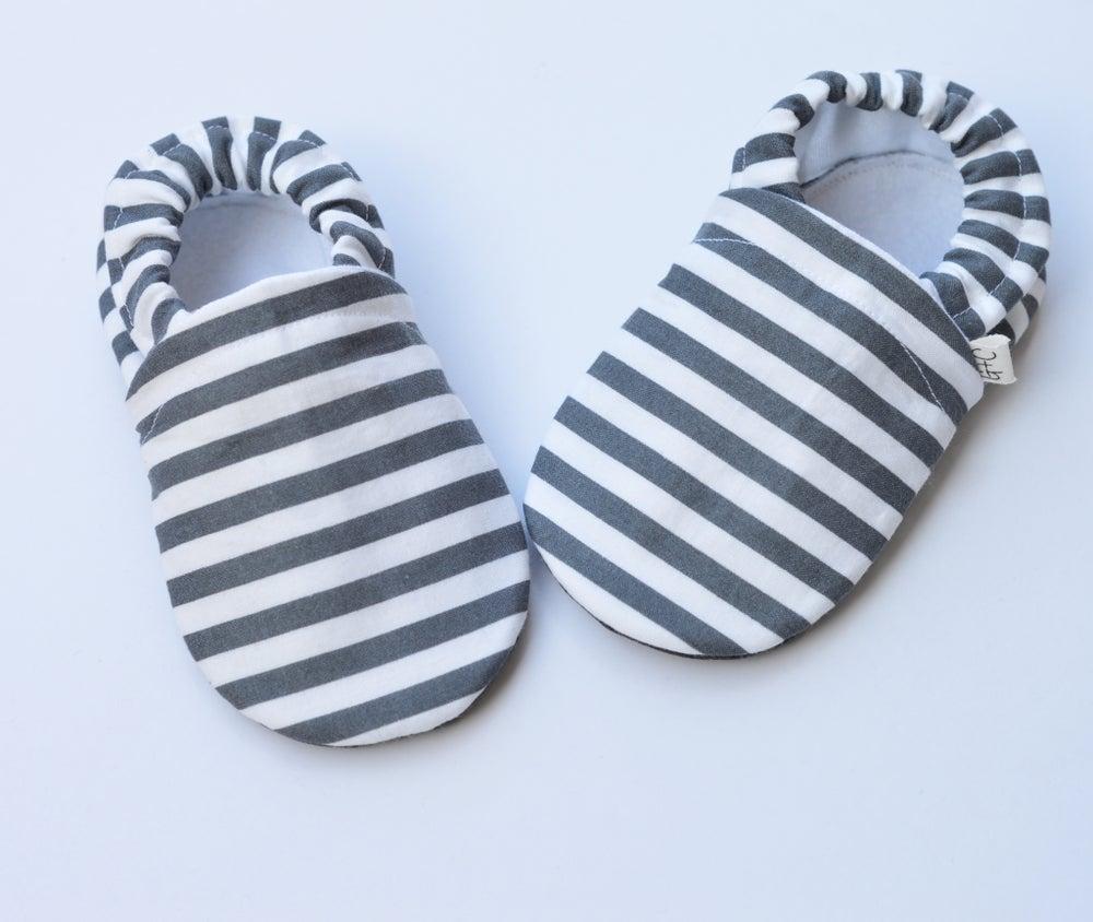 Image of Grey Stripe