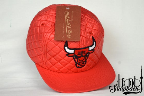 Image of CHICAGO BULLS NBA QUILTED 20 D MITCHELL & NESS SNAPBACK