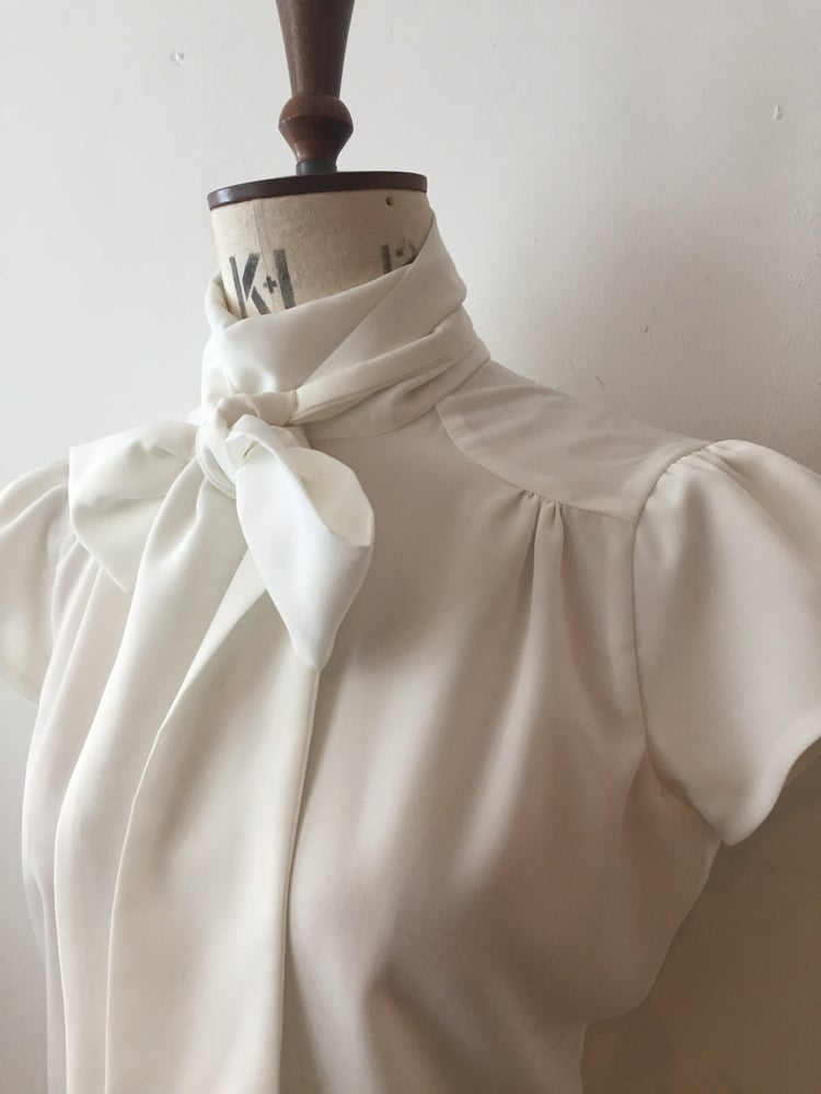 Image of Cap sleeve lulu blouse