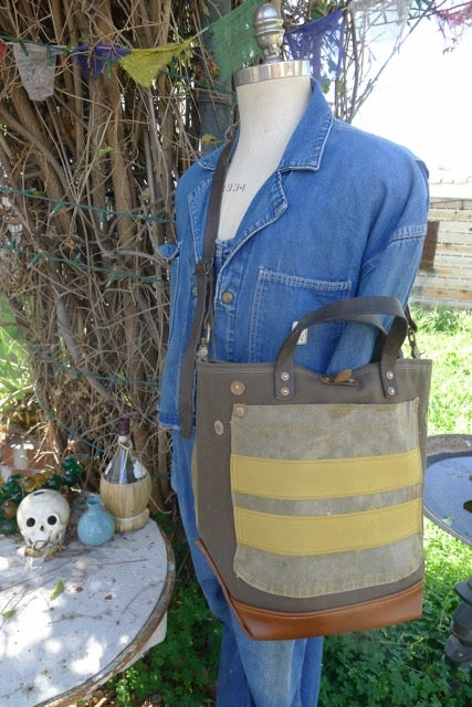 Image of VINTAGE MILITARY CANVAS AND LEATHER BUCKET TOTE BAG #5