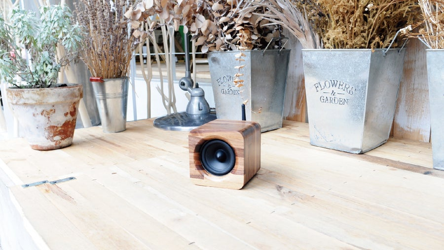 Image of Min623 portable bluetooth speaker-walnut
