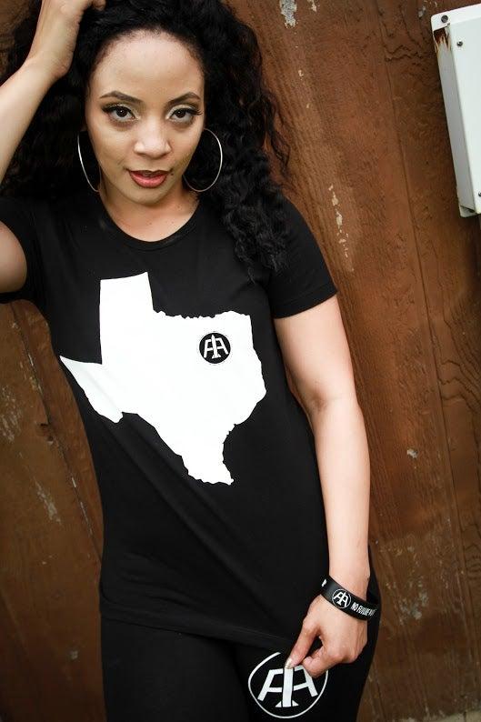 """Image of Ladie's """"Heart of Texas"""" Tee"""