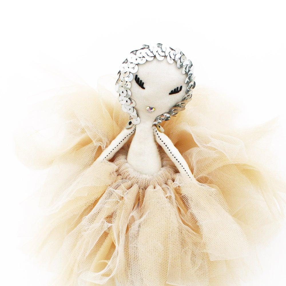 "Image of ""MAVEN JULIET"" a Maven Miniature"