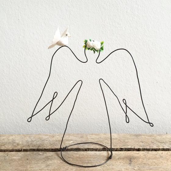Image of Ange couronné et sa colombe