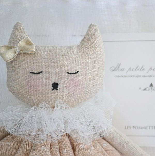 """Image of """"Ma petite poupée de lin"""" 2"""