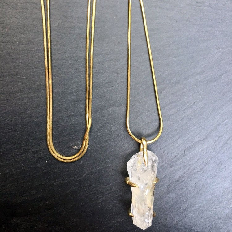 Image of Claw neckace with clear quartz