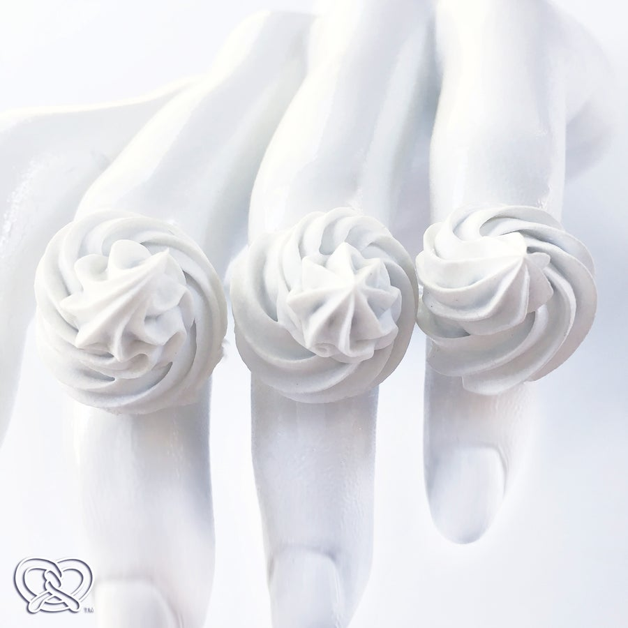 Image of Whipped Cream Ring