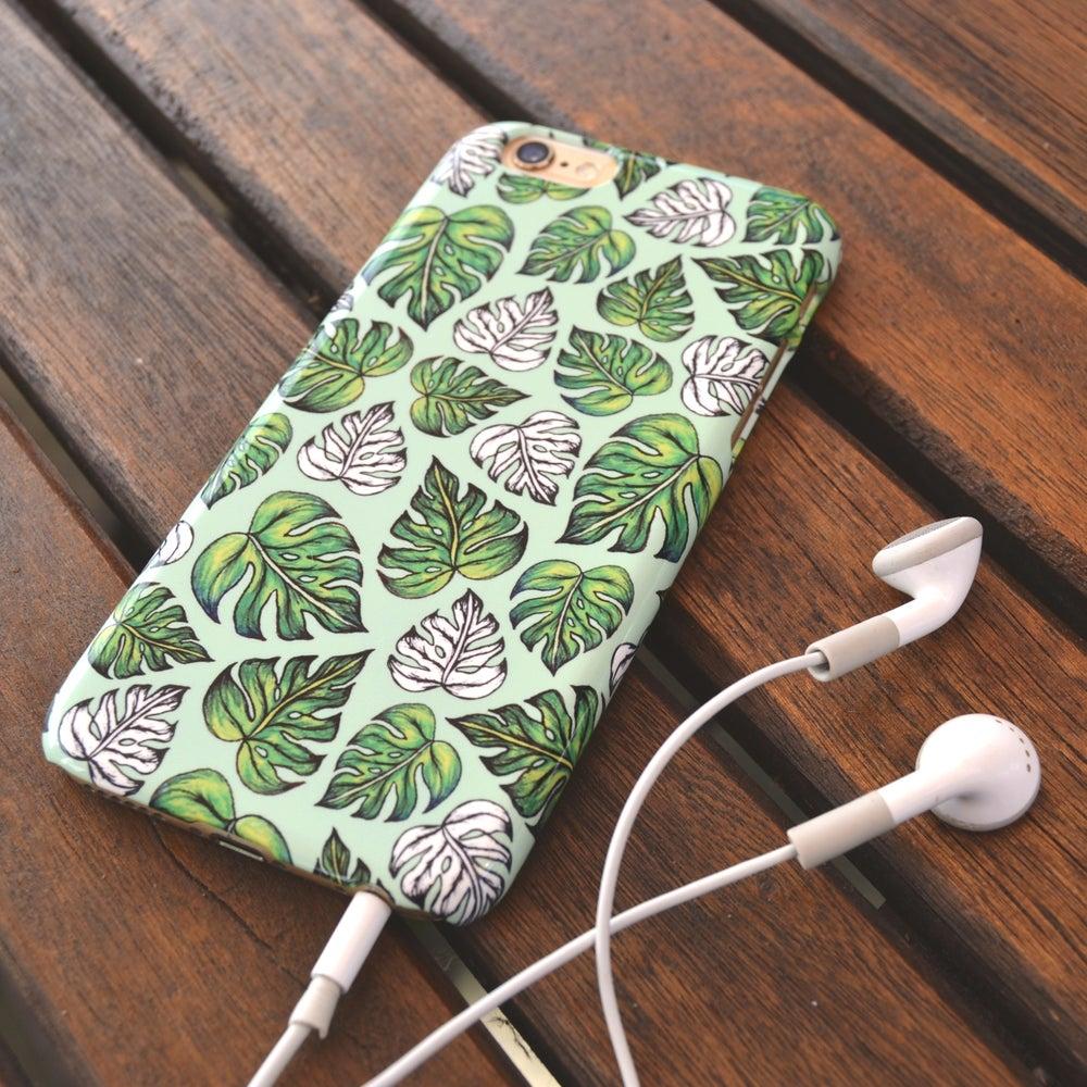 Image of Leaf Pattern case in Mint