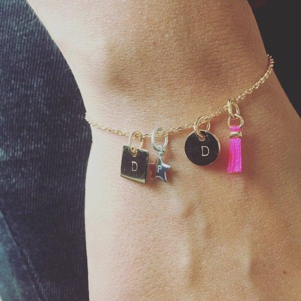 Image of ELZA - Bracelet personnalisé - Pendentifs gravés - Chaine PLAQUE OR