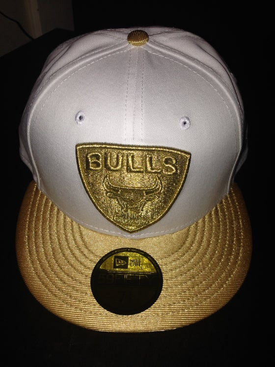 "Image of New Era Chicago Bulls New Era Fitted ""White/Gold"""
