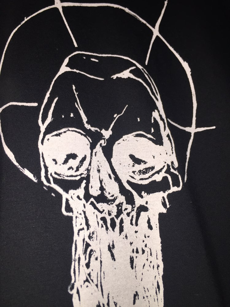 "Image of Demian Johnston ""Dripping Skull"" shirt"