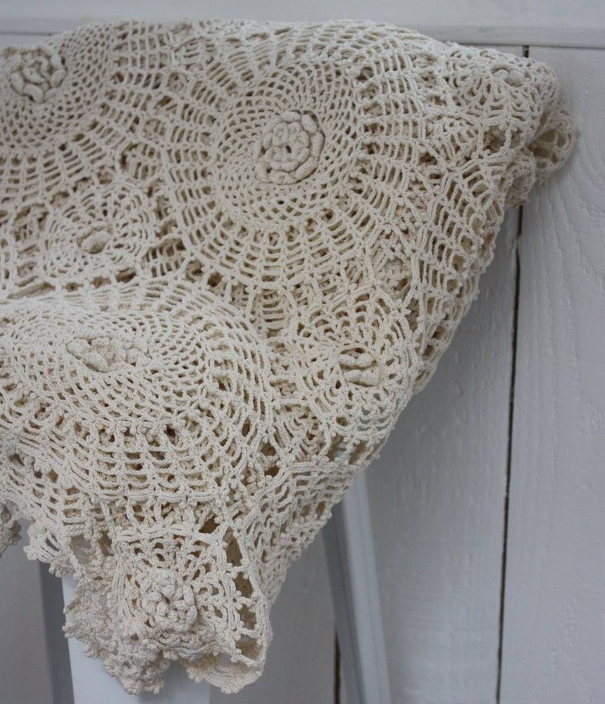 Image of Superbe plaid ancien au crochet.