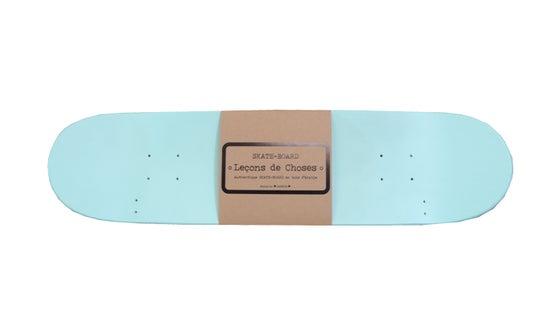 Image of Etagères skate board vert d' eau
