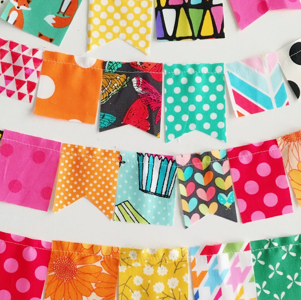 Image of Mini Craft House Bunting - Bright