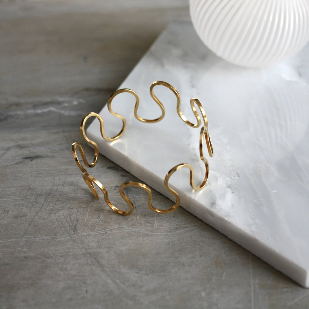Image of LOOP Bangle - Gold