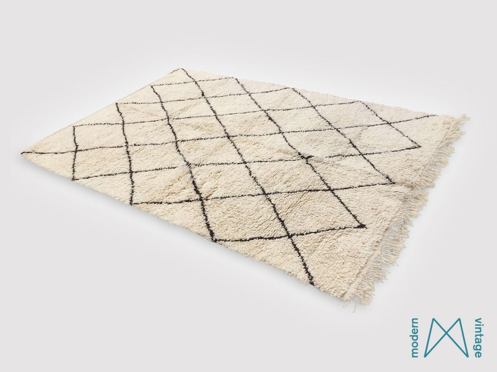 Image of Vintage Original Beni Rug Black Triangles