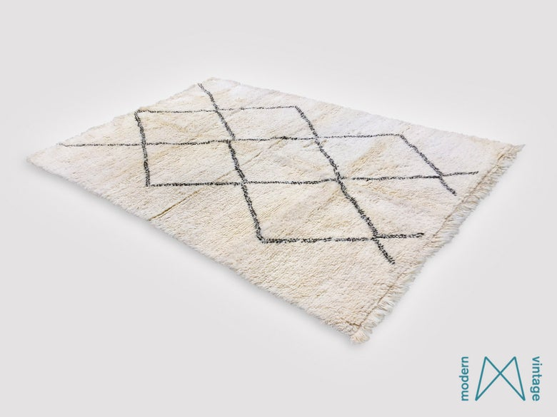 Image of Vintage Original Beni Rug Black Triangles Centre