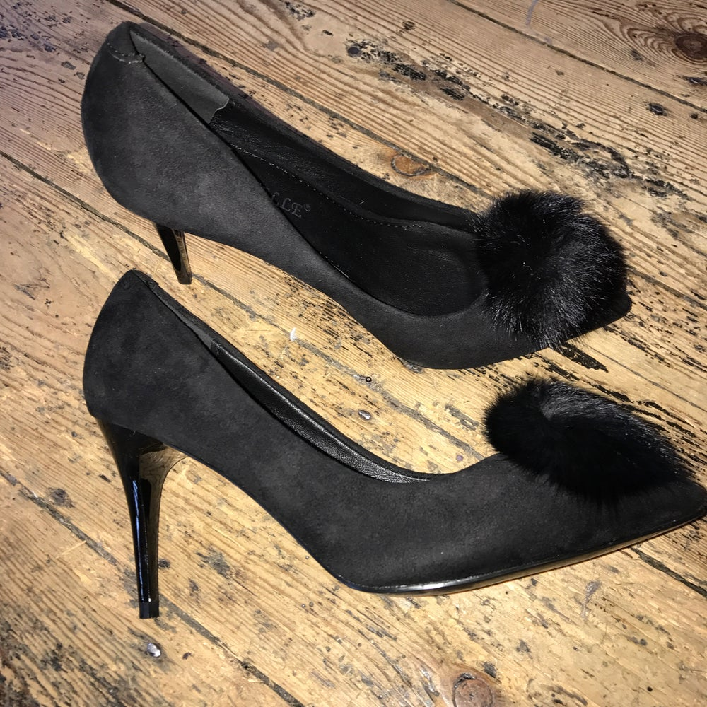 Image of Black pompom heels